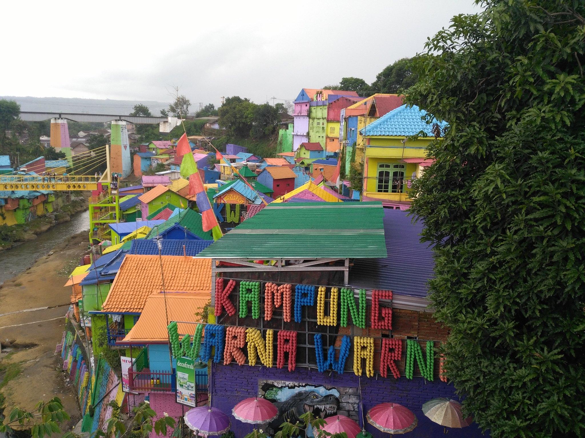 pueblo colorido Indonesia