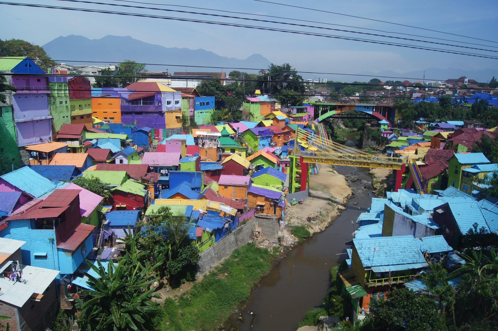 Kampung y Tridi